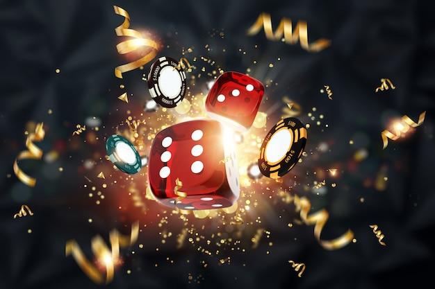 Fundo criativo, dados de jogos, cartas, fichas de casino em um fundo escuro Foto Premium