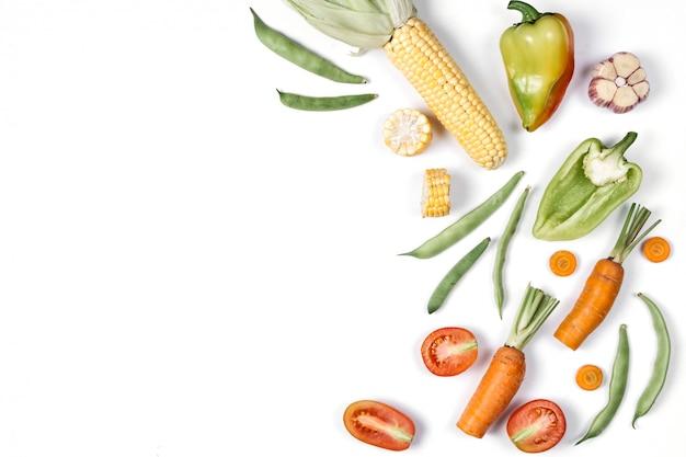 Fundo de alimentos orgânicos. vista plana leiga, superior, cópia espaço. conceito de alimentação saudável. Foto Premium