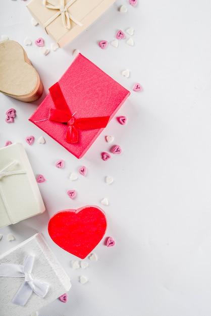 Fundo de caixas de presente de presentes de dia dos namorados Foto Premium