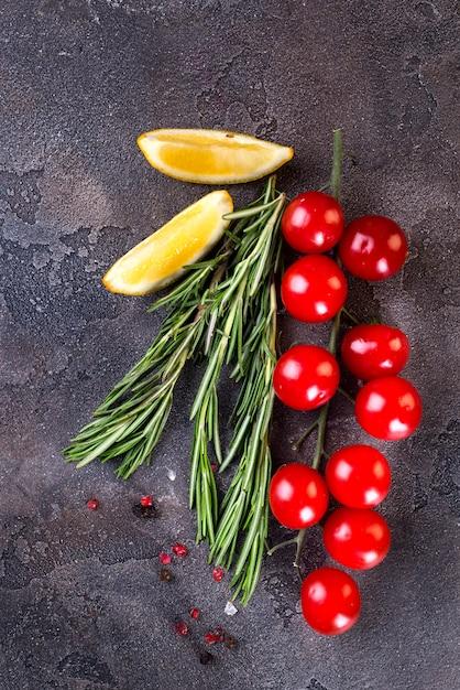 Fundo de comida com ingredientes de cozinha Foto Premium