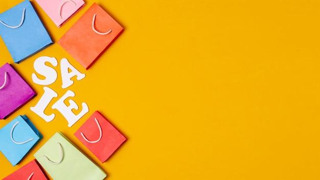 Fundo de espaço laranja cópia com ideia de venda Foto gratuita