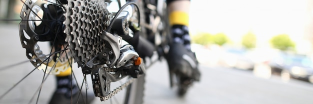 Fundo de homem de bicicleta. equipamento esportivo. Foto Premium