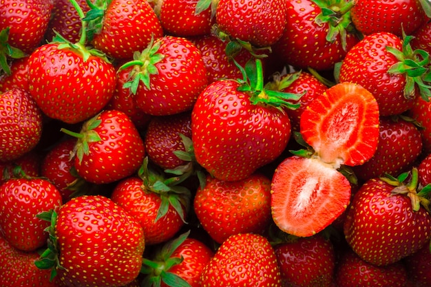 Fundo de morangos vermelhos frescos Foto Premium