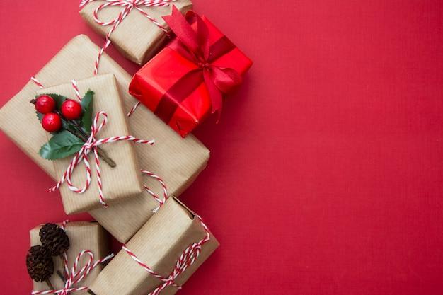 Fundo de natal com caixas de presente e espaço de cópia. Foto Premium