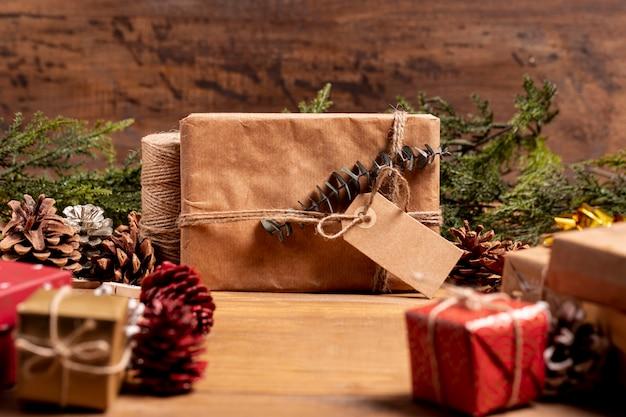 Fundo de natal com presentes embrulhados Foto gratuita