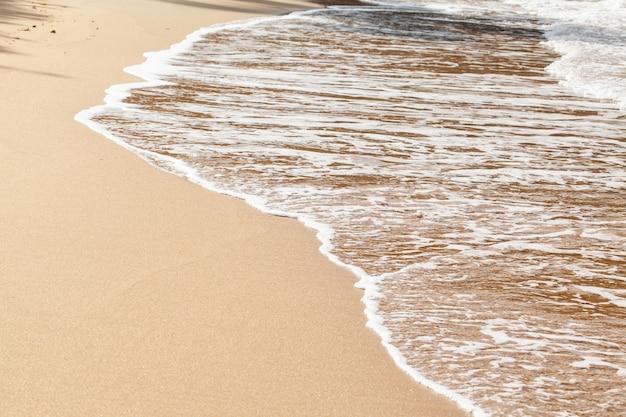 Fundo de praia de areia molhada Foto Premium