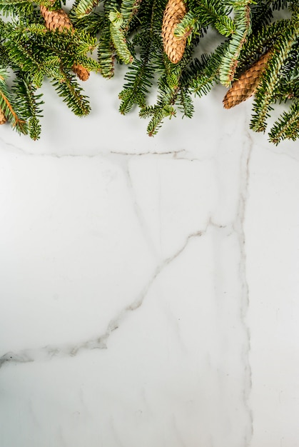 Fundo de presente de natal e ano novo com árvore do abeto Foto Premium