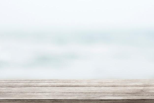 Fundo de produto de prateleira de madeira Foto gratuita