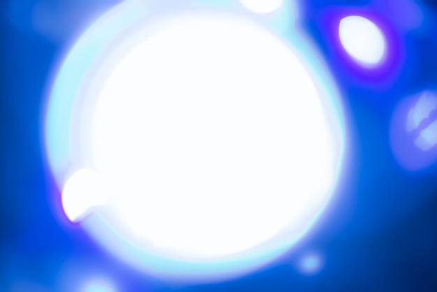 Fundo desfocado abstrato com luzes azuis Foto gratuita