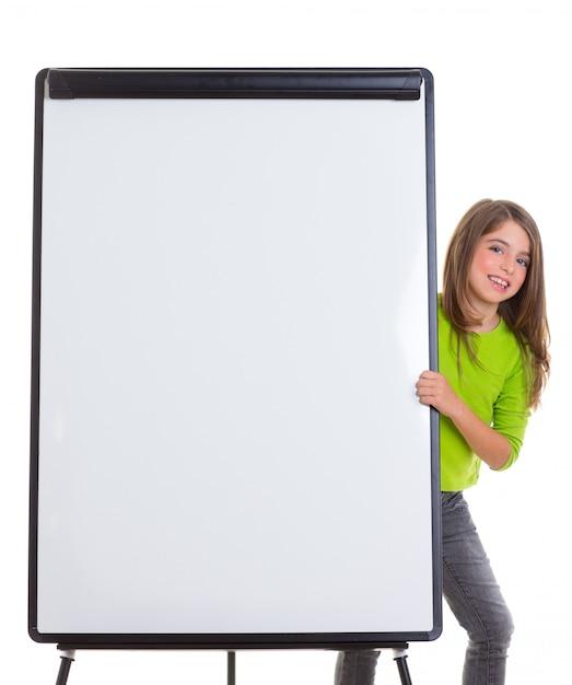 Garota feliz de criança com flip-chart em branco branco cópia espaço Foto Premium