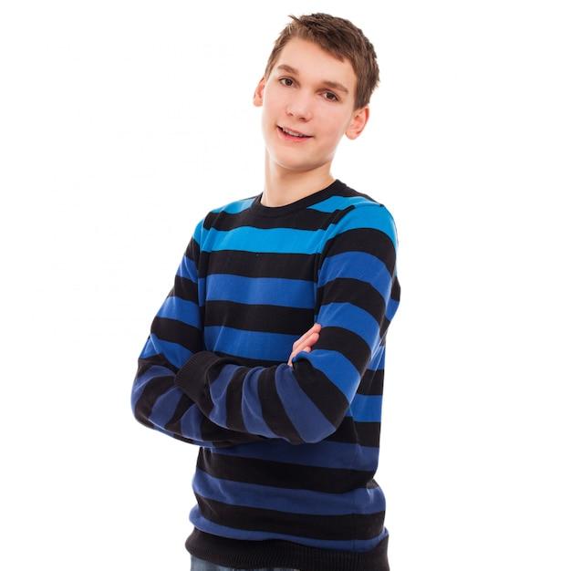 Garoto adolescente feliz em pé casual Foto gratuita
