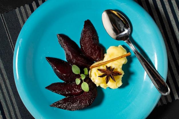 Geléia de close-up deliciosa sobremesa no prato Foto gratuita