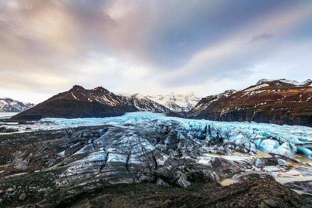 Geleira skaftafell, parque nacional vatnajokull, na islândia. Foto gratuita