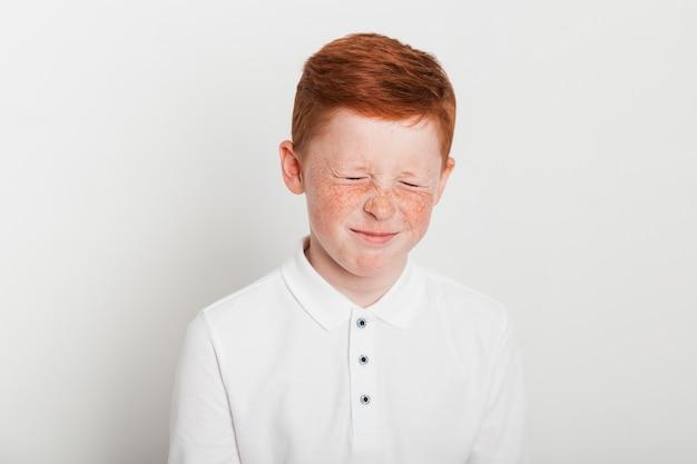 Gengibre, menino, com, triste, expressão Foto gratuita