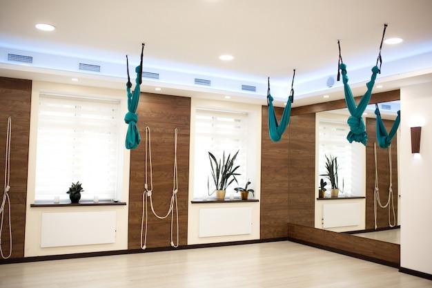 Ginásio vazio de ioga e fitness Foto Premium