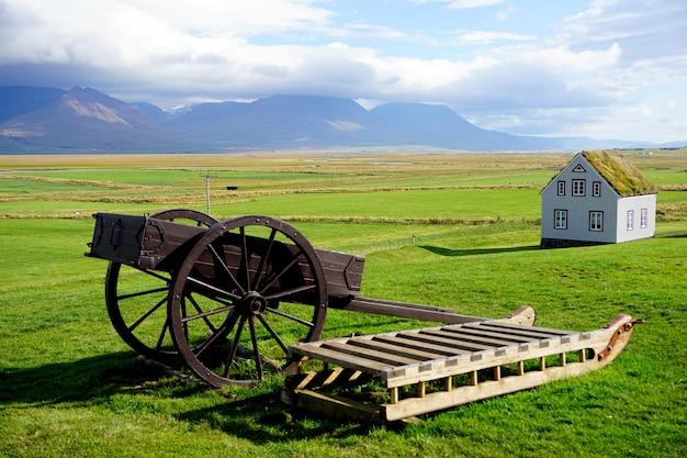 Glaumbaer, grande casa de gramado de fazenda que data do final de 1800 na islândia, skagafjrur no norte da islândia. Foto Premium