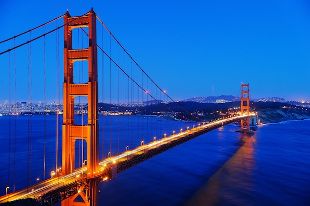 Golden gate bridge famoso em san francisco, califórnia, eua Foto Premium