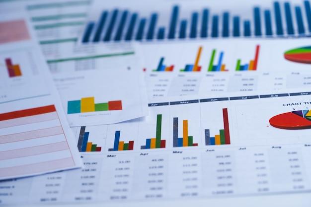 Gráfico papel gráfico. financeiro, conta, estatística, economia de dados de pesquisa analítica, busines Foto Premium