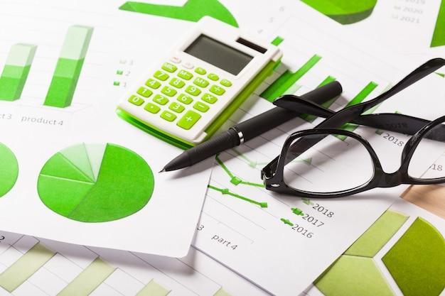 Gráficos de negócios verde Foto Premium