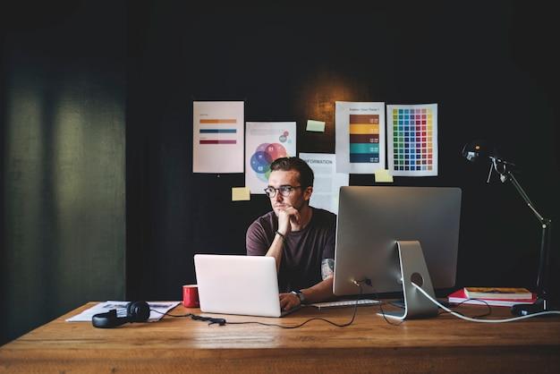 Gráficos designer editor workplace concept Foto Premium