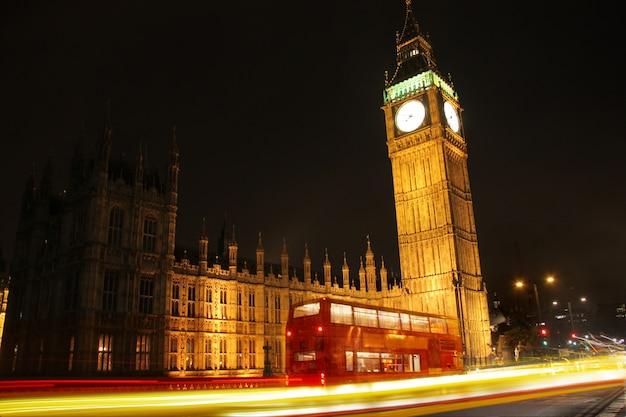 Grande ben na noite Foto Premium