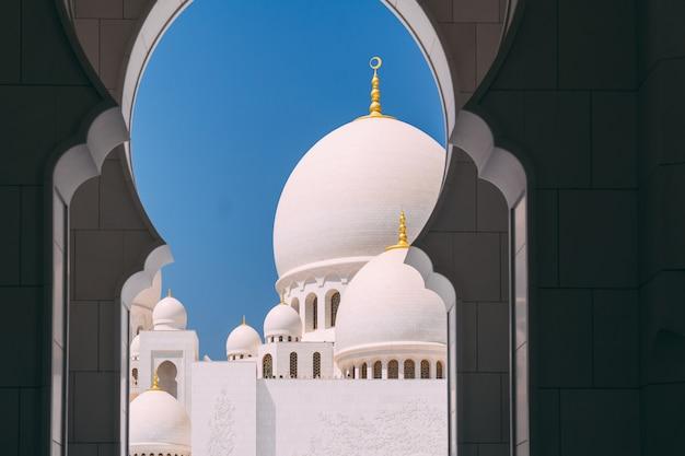 Grande mesquita de abu dhabi Foto Premium