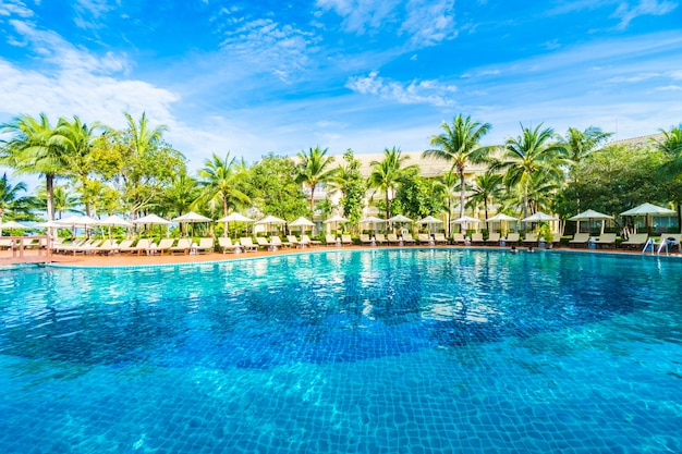 Grande piscina baixar fotos gratuitas for Piscina gratuita
