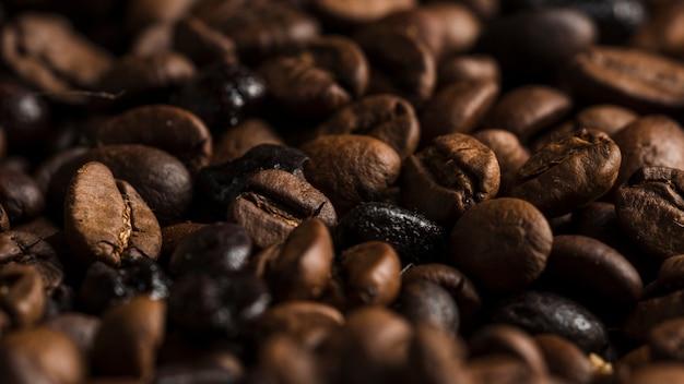 Grãos de café aromáticos Foto gratuita