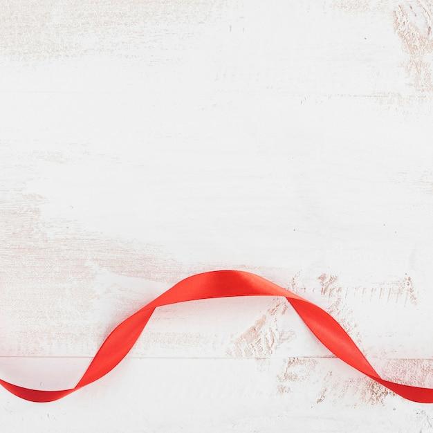 Gravata vermelha do dia dos namorados Foto gratuita