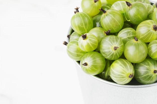 Groselhas maduras verdes Foto Premium