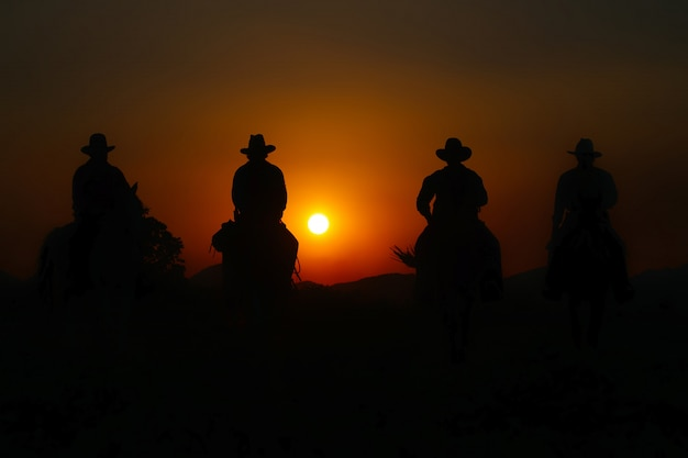Grupo de cowboy cavalo. Foto Premium
