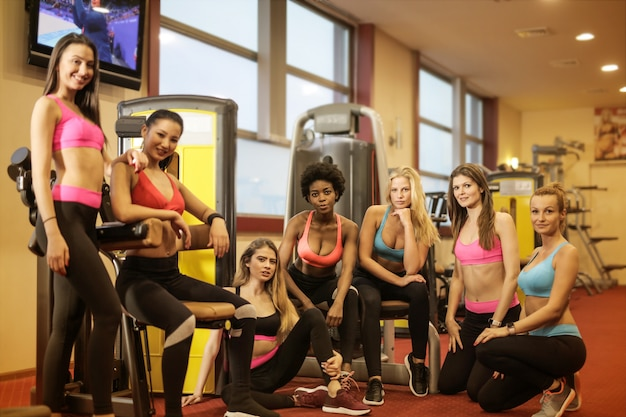 Grupo de mulheres desportivas Foto Premium