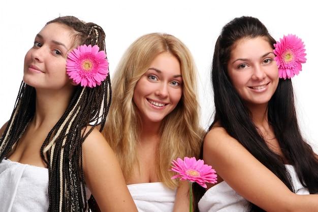 Grupo de três meninas bonitas Foto gratuita