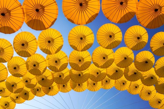 Guarda-chuva antigo norte da tailândia Foto Premium