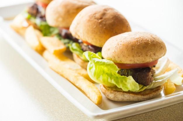 Hambúrguer de carne bovina Foto gratuita