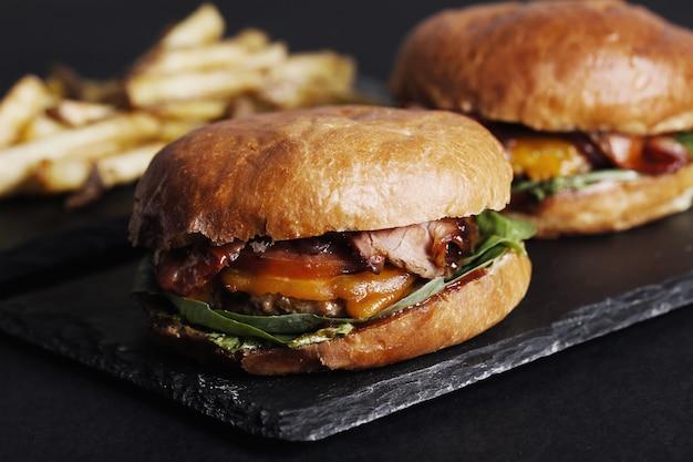 Hambúrguer delicioso Foto gratuita