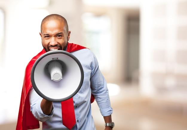 Herói negro expressão de raiva Foto gratuita