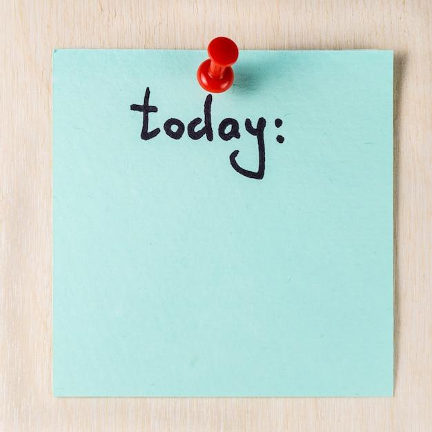 Hoje nota em papel postá-lo Foto Premium