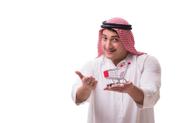 Homem árabe com carrinho isolado no branco Foto Premium