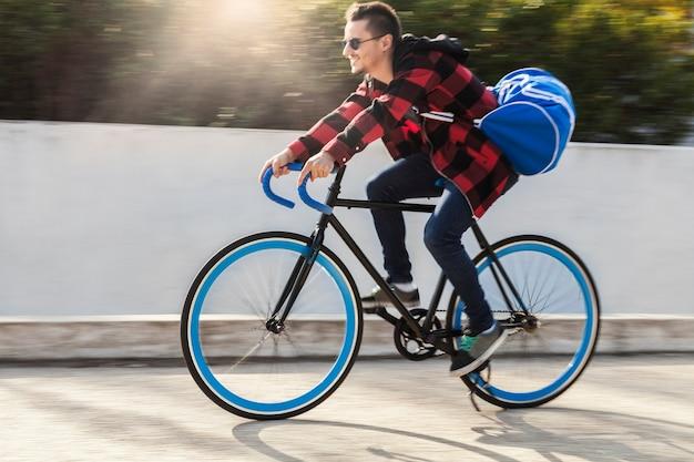 Andando de bike com legging transparente - 1 3