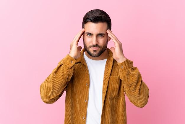 Homem bonito muro Foto Premium