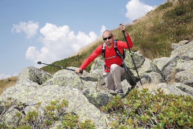 Homem caminhante Foto Premium