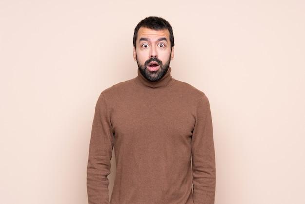 Homem com expressão facial de surpresa Foto Premium