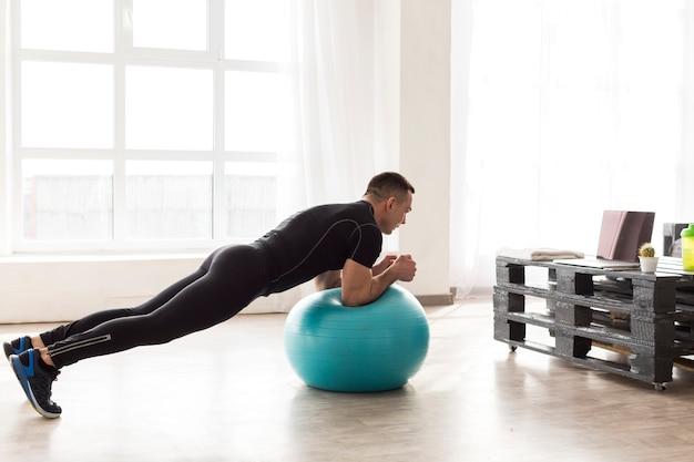 Homem de fitness Foto gratuita