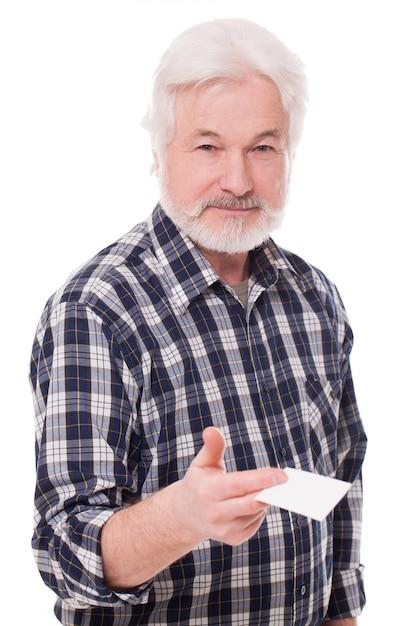 Homem idoso bonito com papel Foto gratuita