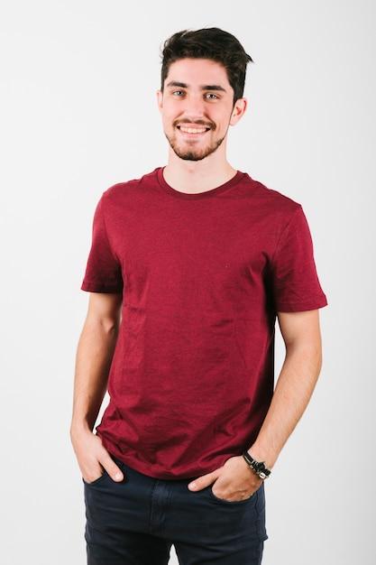 Homem moderno brunet bonito com cerdas Foto gratuita