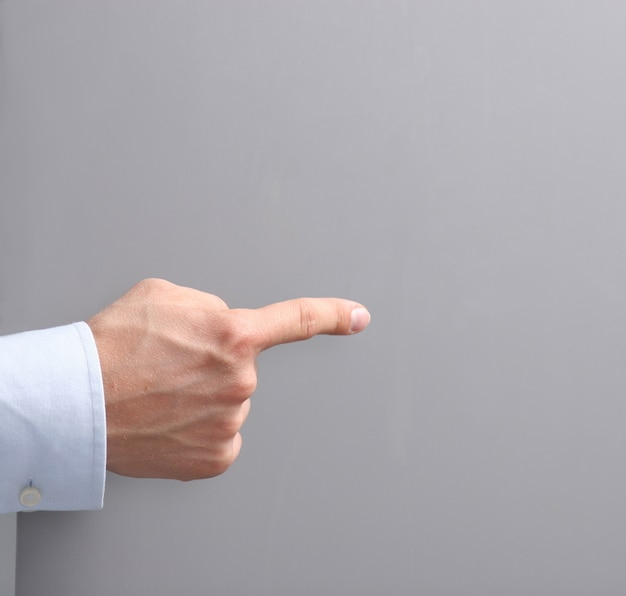Homem, mostrando, espaço vazio, branca, painél public Foto Premium
