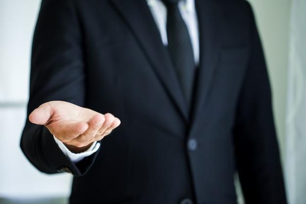 Homem negócio, com, mão vazia Foto Premium