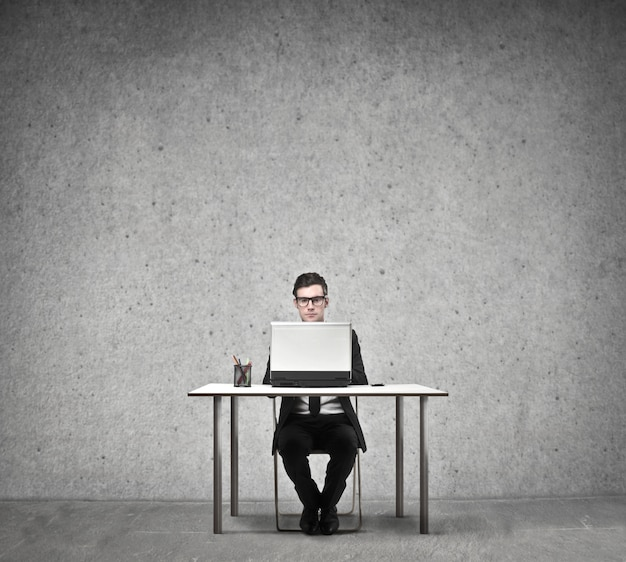 Homem negócios, trabalhando, laptop Foto Premium