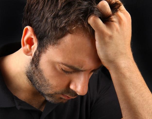 Homem, sofrimento, um, forte, dor de cabeça Foto Premium